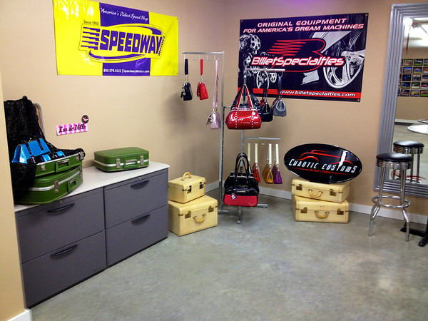 January 2013 Chaotic Customs Shop Visit, sorry for the quality, cell phone pics!